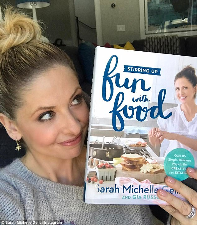Projects Sarah Michelle Gellar - Stirring Up Fun with Food